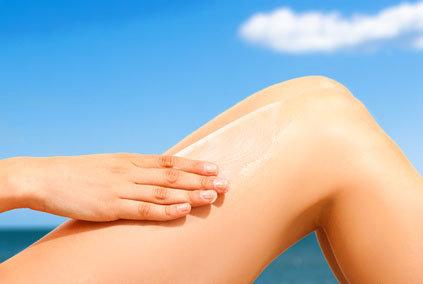 proteggere la pelle in spiaggia