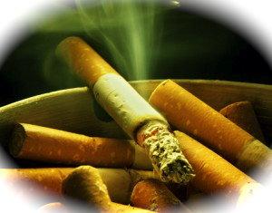 giovanniberetta_cigarette-smoke-ashtray-300x235