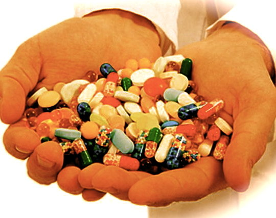 giovanniberetta_drugsinhand
